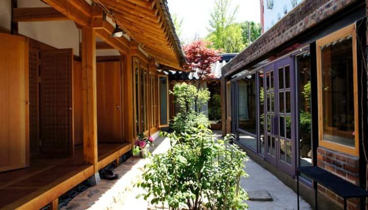 별실, 한옥마을의 역사가 있는 단경 온돌 객실