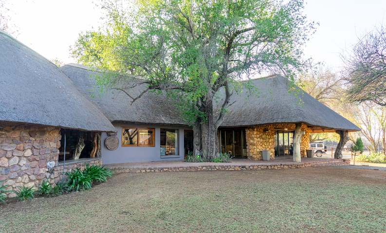 Bonwa Phala Chalet One - Two Sleeper