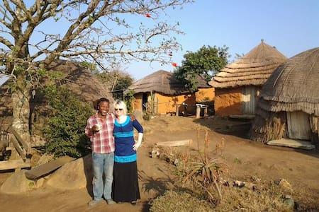 Swazi Village Homestay - Sinceni