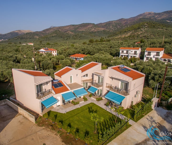 Yalos Beach Maisonette 4 with loft