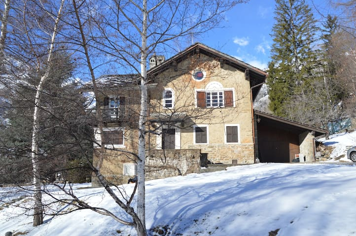 A family house close to the wood - Courmayeur - Villa