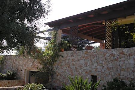 prestigiosa villa in valle d'itria