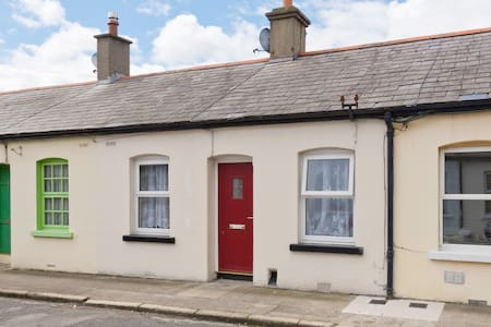 Cosy Cottage Central Dublin - Stoneybatter  - Hus