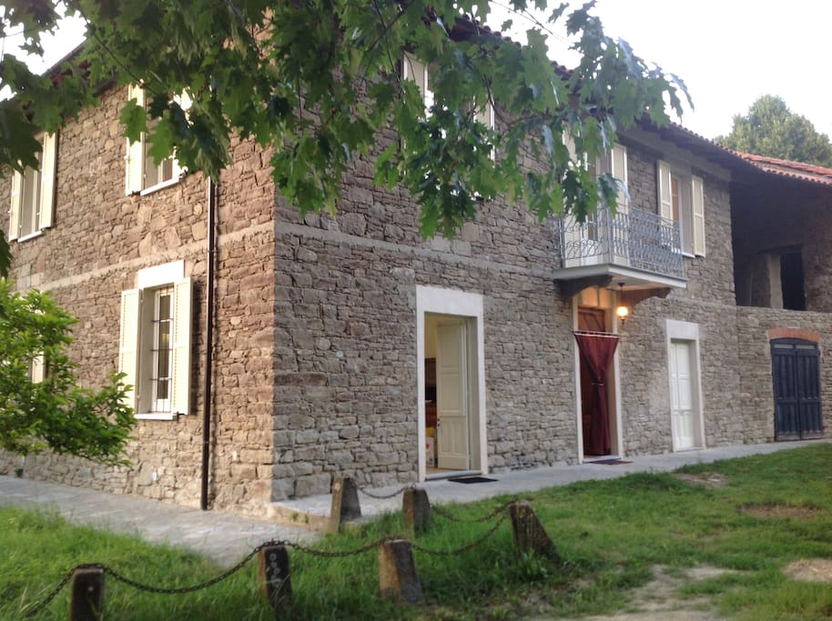 St. Martin Country House: a peaceful place in the Langhe region of Piedmont (Italy)