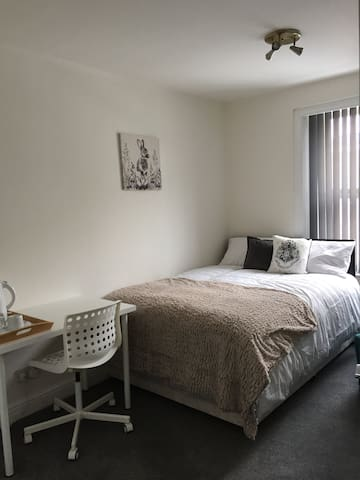 Master Bedroom in King's Cross St. Pancras