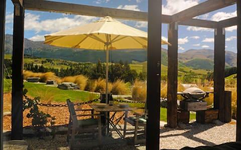 HawkRidge Alpine Honeymoon Suite