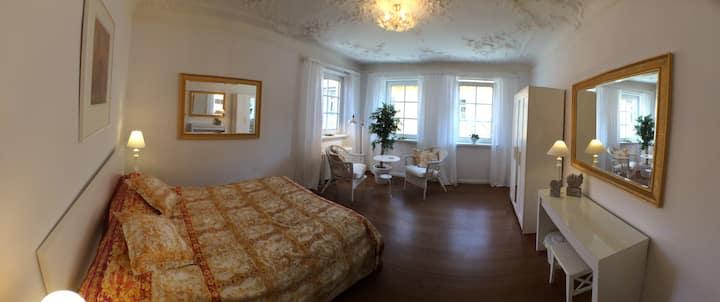 Gästezimmer 1, Bed & Kitchen Goldene Krone Thurnau
