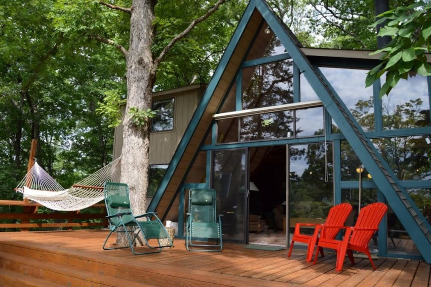 Welcome to your lakeront Innsbrook vacation rental cottage!