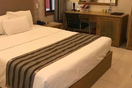 Nhan Elegant Guest Room