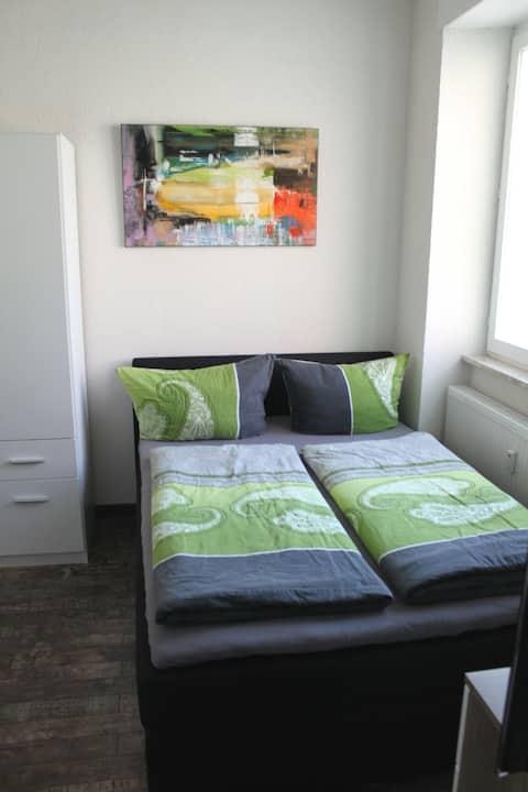 modern cozy apartment near to trainstation