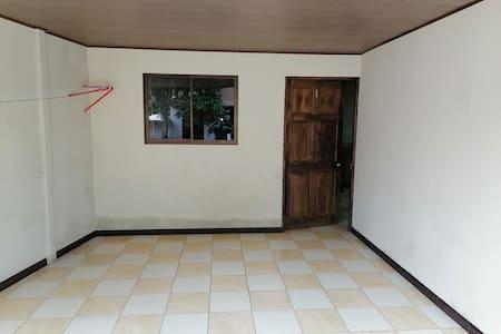 Apartamento completo, amplio,con Aire acondicionad