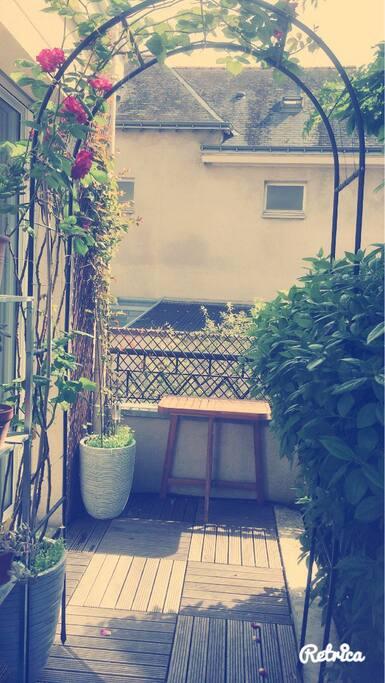Terrasse en extérieure agréable et zen.