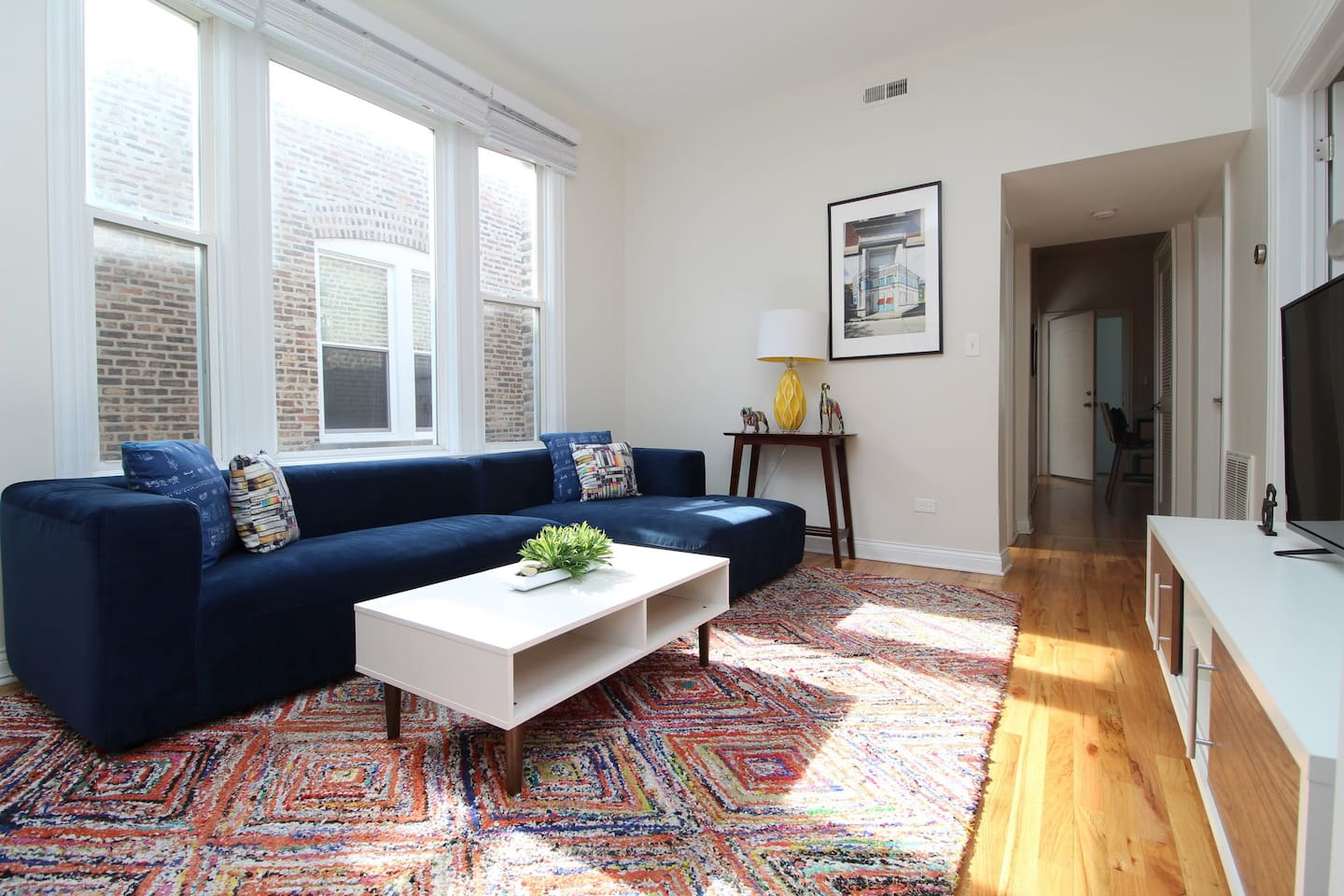 """""""The perfect spot for a trip to Chicago! We loved the Wicker Park neighborhood and enjoyed having a lot of space. We would definitely stay here again."""""""