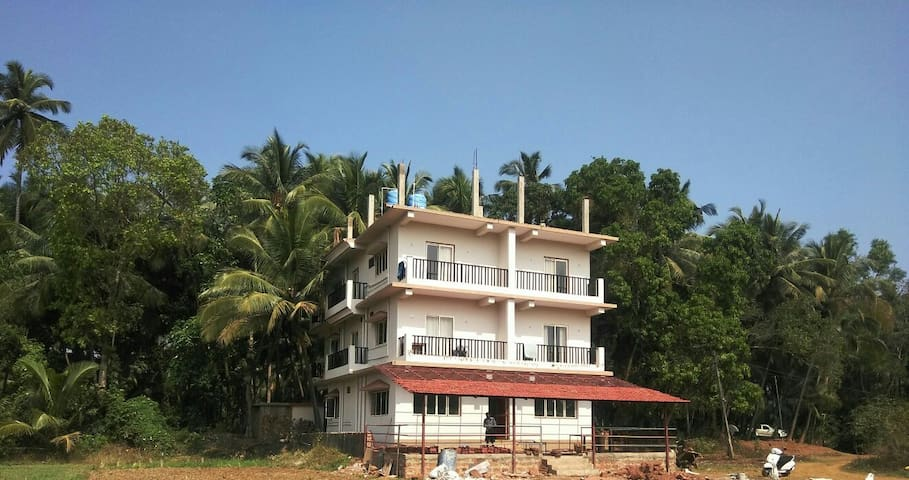 Deluxe Group/family stay at shivam farmhouse Goa