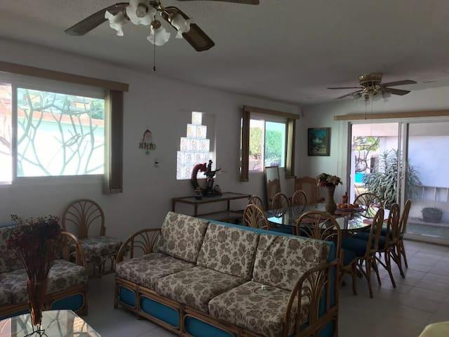Casa en condominio tranquila con seguridad