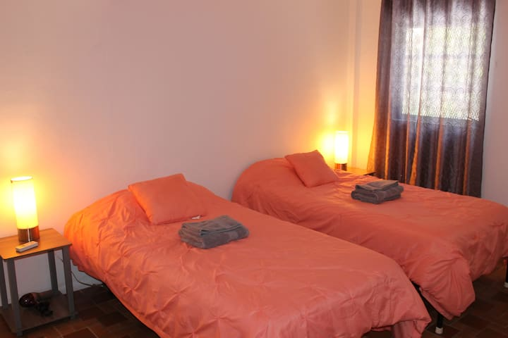 Cozy and Quiet 1 Bedroom Guest House - Miami Beach - Dům