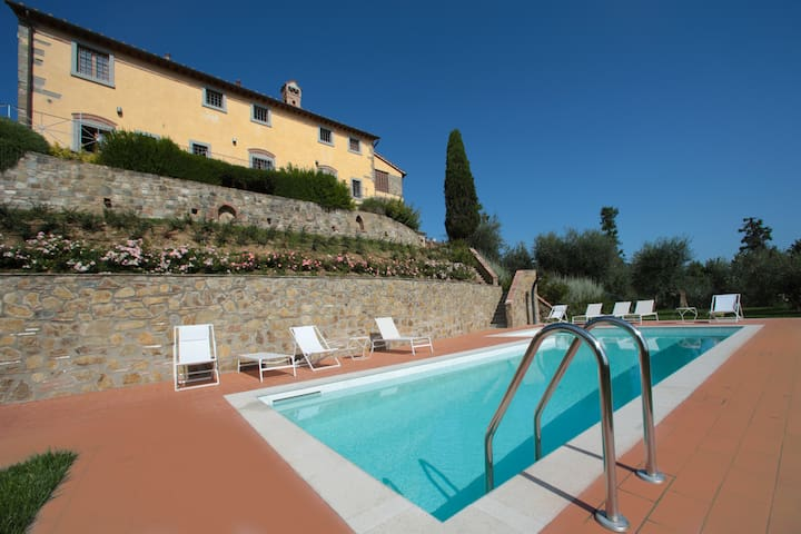Apartment with Swimming pool, View over Florence