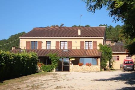 montalieuhaut résidence en périgord - Saint-Cybranet - Bed & Breakfast