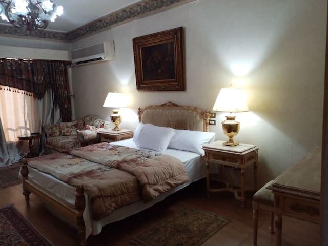 Top Level : Master Bedroom