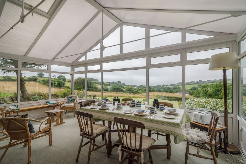 A full breakfast is served in the conservatory overlooking the sea