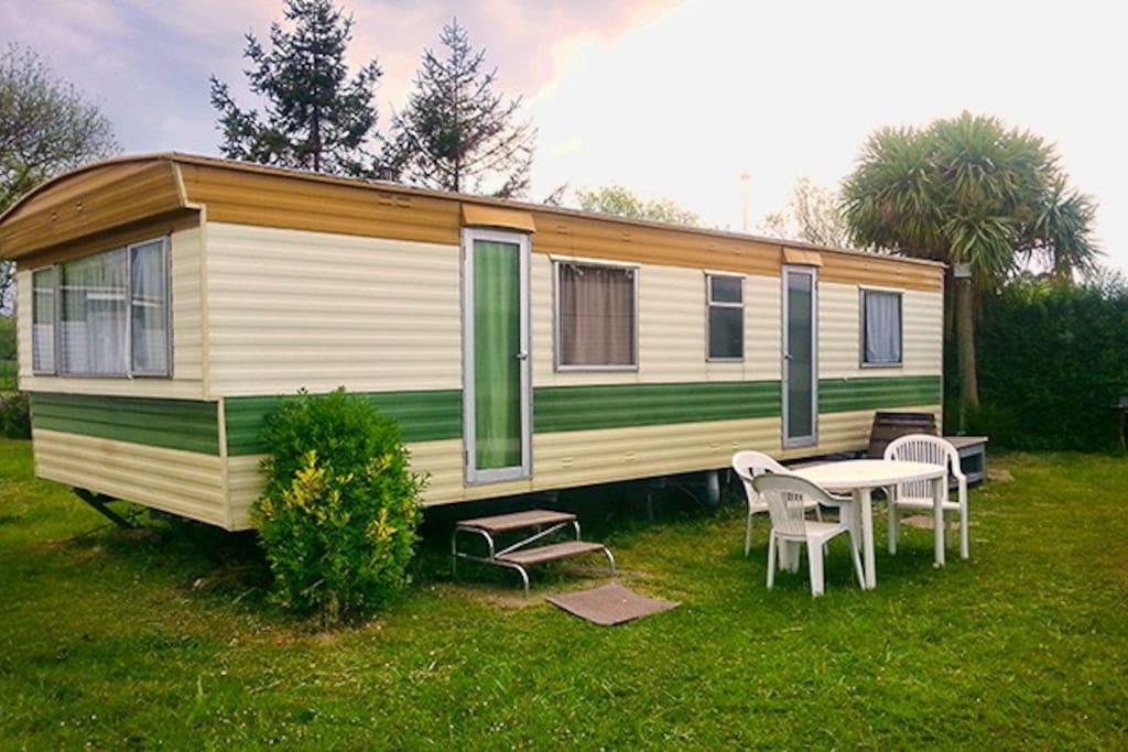 mobil home iii en camping somo suesa somo suesa cantabrie espagne. Black Bedroom Furniture Sets. Home Design Ideas
