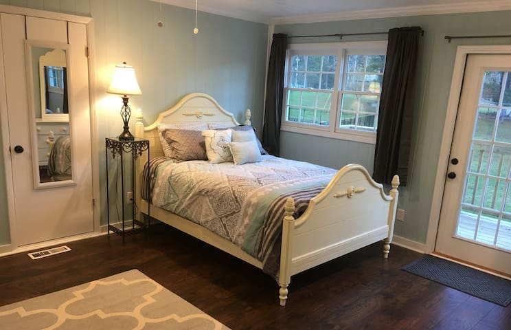 Heavenly queen-size bed in our Cottage's remodeled upstairs bedroom