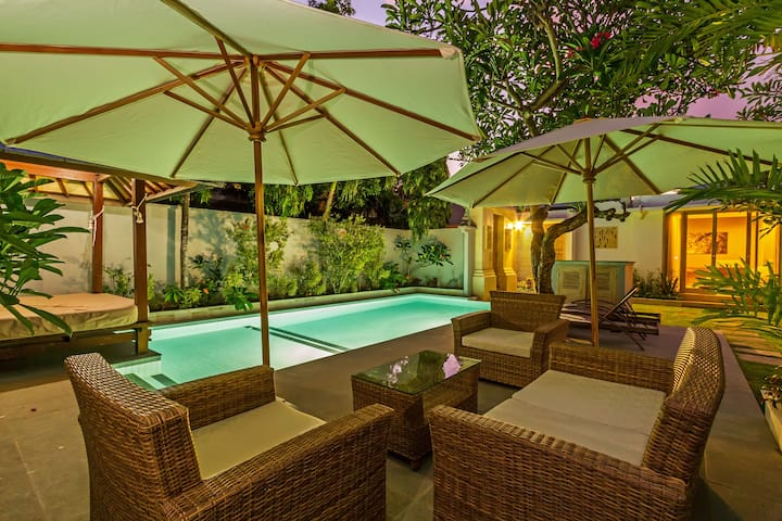 65% OFF - Villa Frangi Sanur 250 meters from Beach