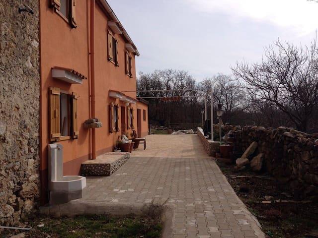 "House ""VRSIC""-Mali Podol CRES - Mali Podol - Villa"