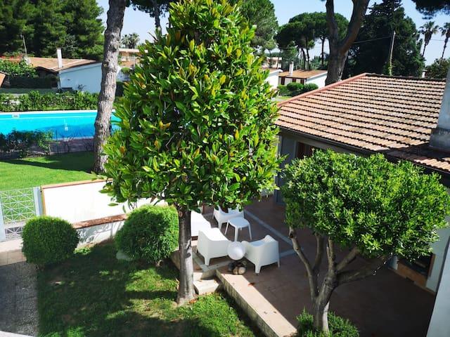 Lovely villa close to the sea