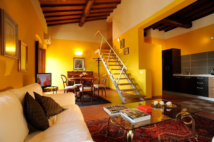 Sagrantino: apartment in Tuscany countryside