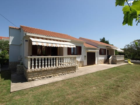 Holiday house Metikos