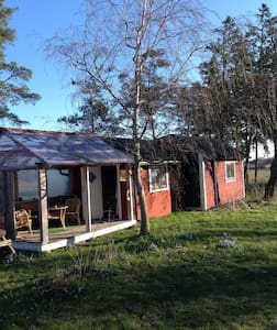Tingstade farm cottage. Summertime - Tingstäde