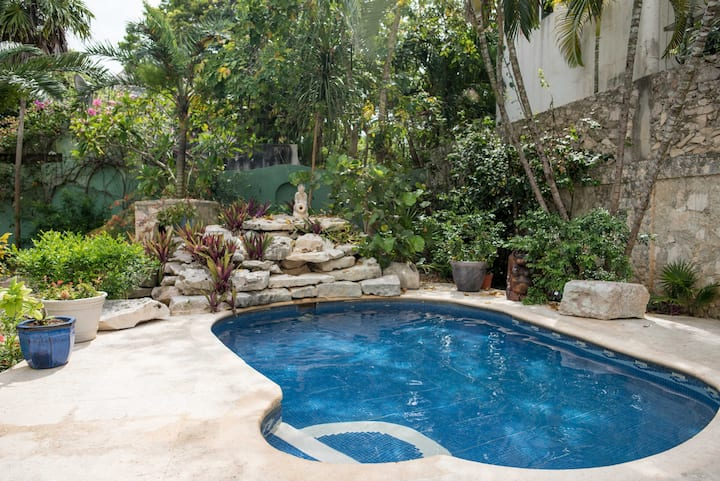 Peaceful one bedroom condo with private pool