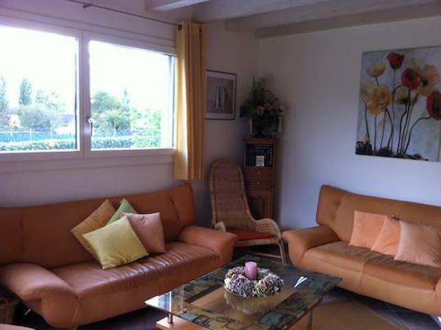 Maison avec jardin au bord du lac - Préverenges