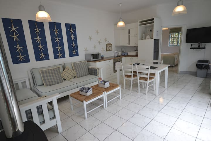 Beach Apartment, self catering accommodation - Cape Town - Apartment