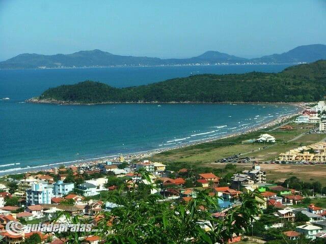 Alugo para temporada 300 metros da praia - Governador Celso Ramos - Leilighet