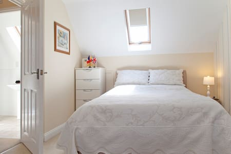 Dble room, nr Stansted, access Ldn