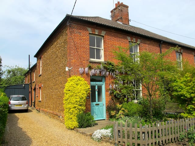 St Jude's B & B single room - Dersingham - Bed & Breakfast