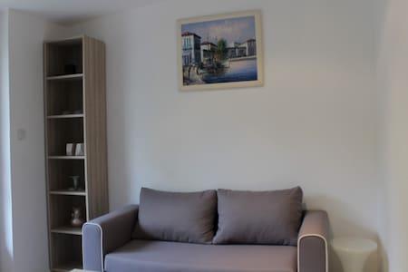 Magnifique studio à Clamart avec terrasse privée