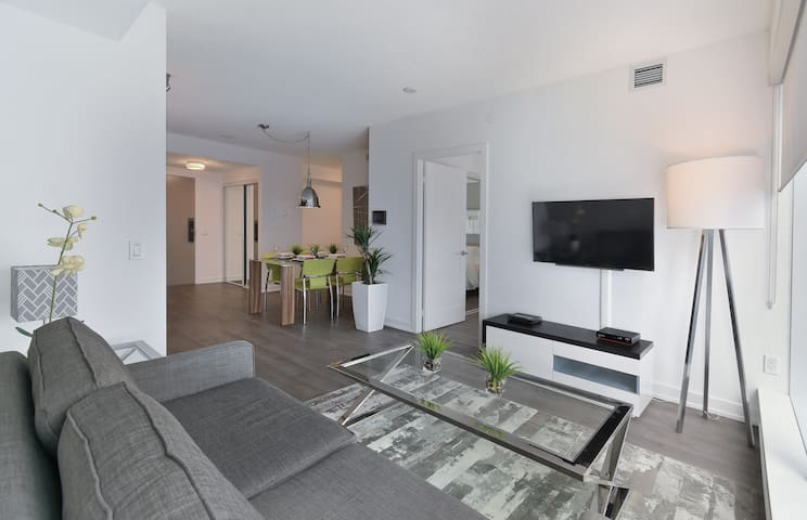 LOW RATES!!-1 bed/1 bath-Fully Furnished-Ten York