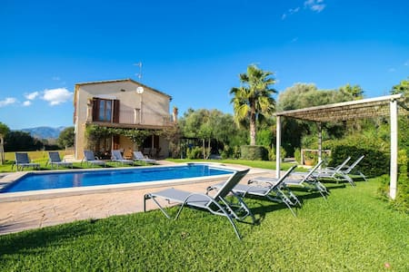 Luxurious Holiday Home in Es Pont d'Inca with Private Pool