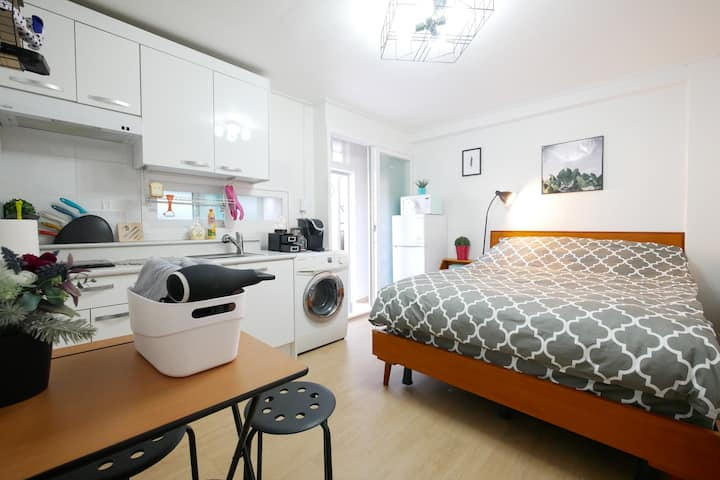 [OPEN SALE] 7min to Seoul St.! Cozy Studio YULISIS