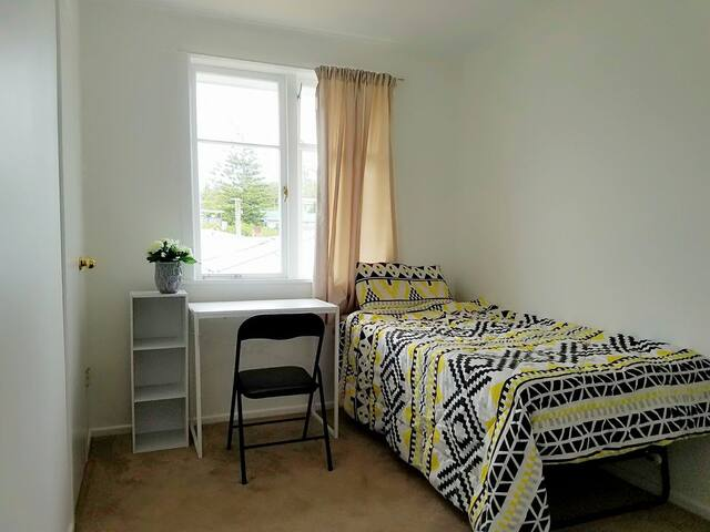 New room new furniture new carpet freeWIFI fibre