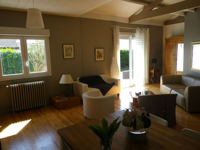 Jolie villa grand confort, jardin, idéal Arcachon - La Teste-de-Buch - House