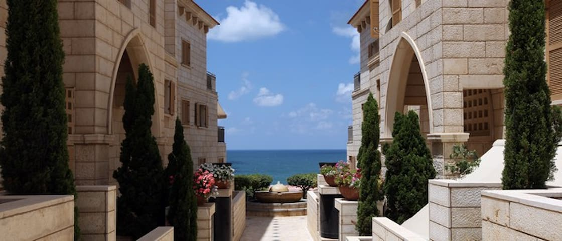 2 bed apt, sea view & balcony with Pool Andromeda - Tel Aviv-Yafo - Wohnung