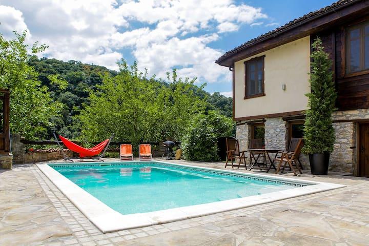Veliko Tarnovo Villa - Veliko Tarnovo - Hus