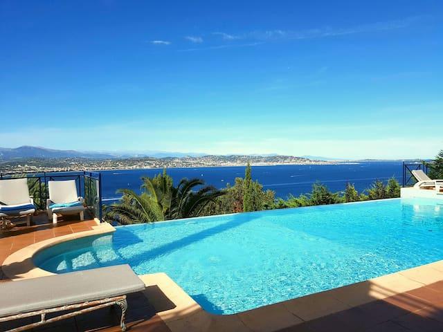 Villa chambre 4p - super vue - Théoule-sur-Mer - Bed & Breakfast