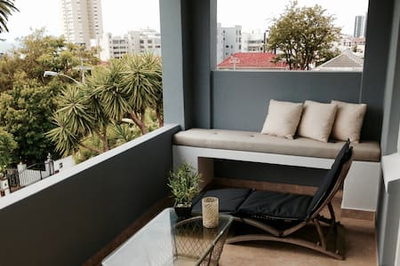 Exceptional Fresnaye Apartment - Cape Town