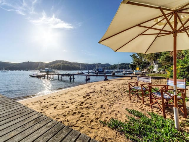 Pittwater waterfront beach house - Scotland Island - Hus