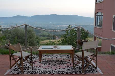 Monoloacale in collina vista mare - Fosdinovo